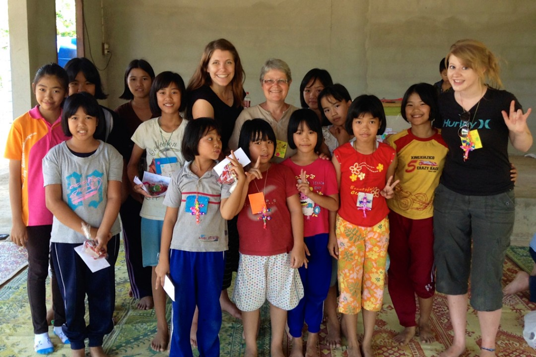 Teaching English to Shan and Thai Children